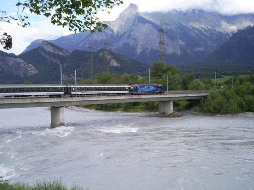 Rheinbrücke bei Bad Ragaz am 18. Juli 2008 mit dem IR 777