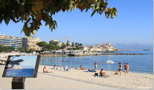 Es ist Sonntagmorgen im Oktober... und schon füllt sich der Strand mit Sonnenhungrigen.