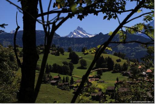 Blick aufs Schreckhorn (4078 m)...