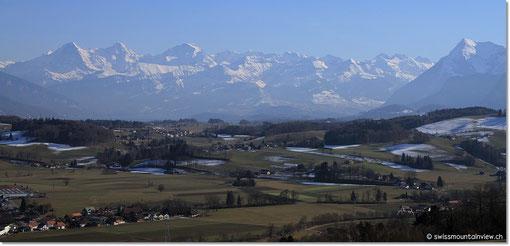 einen wunderbaren Blick Richtung Berner Oberland.
