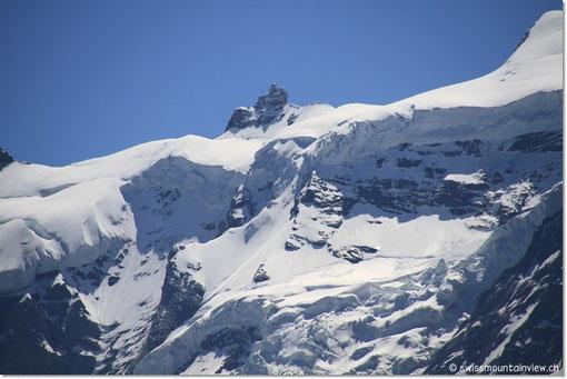 Blick hinauf aufs Jungfraujoch.