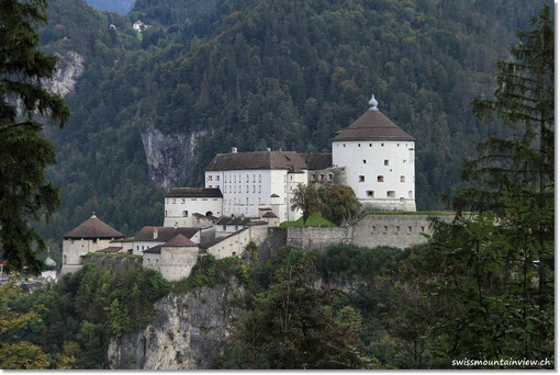 und direktem Blick auf die Burg Kufstein