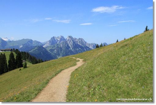 Felsige Berge - fast wie in den Dolimiten.