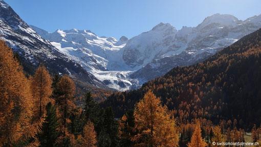 Auf der Talfahrt geniessen wir nochmals den Blick aufs beeindruckende Berninamassiv.