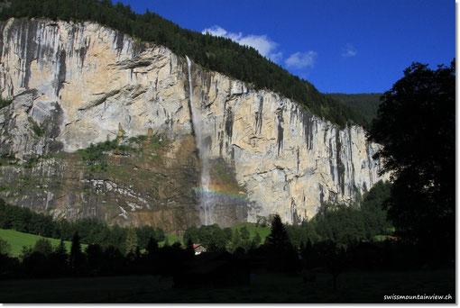 ... und weiter fahren wir mit einem Blick zurück auf den Wasserfall
