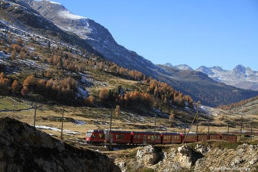 Wir fahren hinauf bis zur Bernina-Passhöhe.