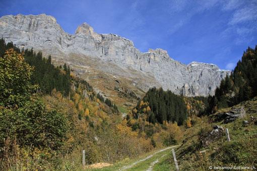 und wir haben unseren ersten Ferientag und fahren via Susten und Oberalp ins Bündnerland.