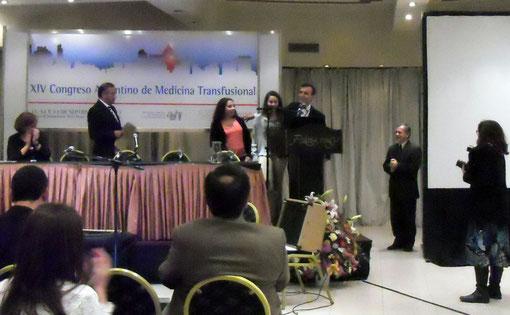 Entrega del Premio en la Ceremonia de Clausura del XIV Congreso AAHI, Clic en la imagen para ver el Video, Viernes 13 de Septiembre de 2013, 19.45 hs.
