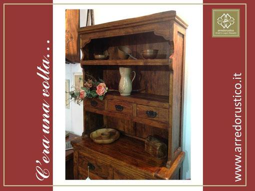 Arredare casa in stile rustico arredo tavernetta rustica for Piani casa in stile rustico
