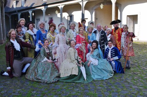 Gruppenbild mit Damen und Herren von Jardin des Epoques