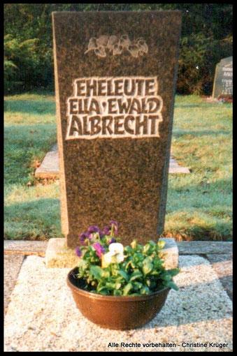 Grab von ALBRECHT, Ewald und 2. Ehefrau Ella (geb. ERDMANN) - Friedhof Lübbenau-Zerkwitz (Spreewald) - Grab wurde 2013 aufgelöst  -  grave of ALBRECHT, Ewald and Ella (born ERDMANN)
