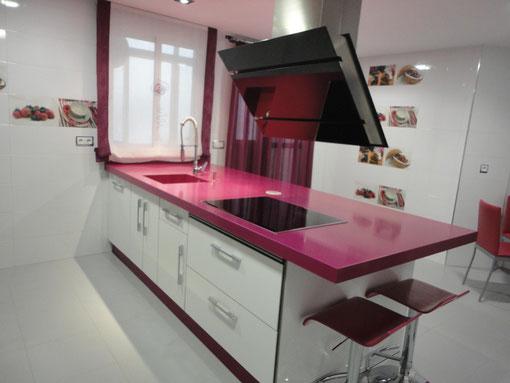 Decoraci n e ideas para mi hogar cocinas en color fucsia for Ideas para mi hogar