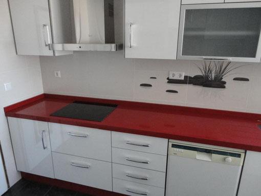 Cocina Roja y Blanca Jaen