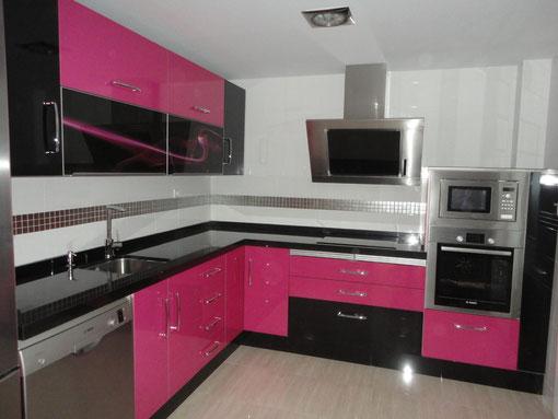 Cocina negra y rosa dise os arquitect nicos - Cocina rosa ...