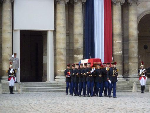 Cercueil contenant la dépouille de notre Parrain Raymond Aubrac
