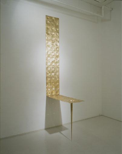 <a hydro-fork in the air series>     brass.   h295×106×39cm. 小林正樹 KOBAYASHI Masaki.    撮影/早川宏一