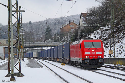 185 229 mit KT 42489 Saarbrücken Rbf Nord - Malaszewicze/PL (Sdl.KV, Testzug Spanien - China), Jägersfreude 01.02.2015