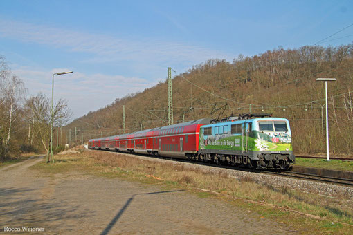 111 039 mit Lr-D 71393 Trier Hbf - München-Pasing Bbf (Sdl.Umbeheimatung Dostowagen), Luisenthal 28.03.2015