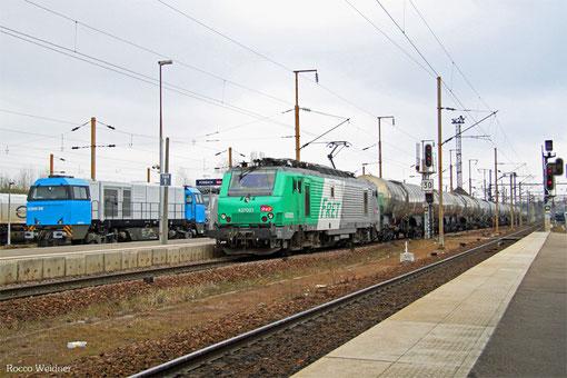 SNCF FRET BB37021 mit 451188 Forbach/F - Salaise/F, Forbach 22.03.2015