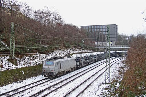 AKIEM BB37055 (i.E. für Colas Rail) mit DGS 44434 Saarbrücken Rbf Nord - Forbach/F (Achères) (Sdl.Autos), Saarbrücken 01.02.2015
