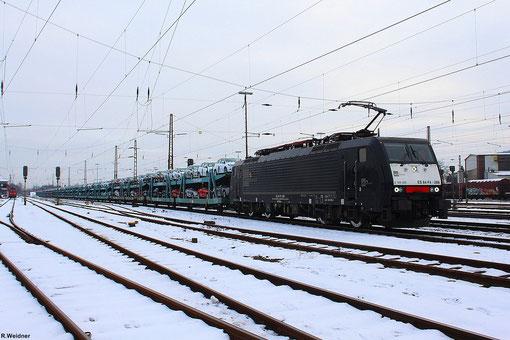 MRCE / HTRS 189 288 mit DGS 95570 Dillingen-Ford - Venlo wartret im Bahnhof Dillingen(Saar) auf die Weiterfahrt - 26.01.2013