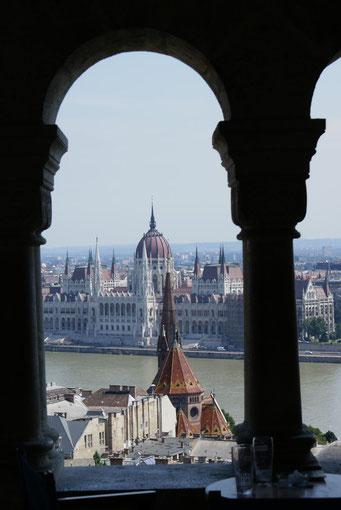 Le Parlement vu depuis le Bastion des Pêcheurs