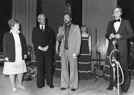 Autour de monsieur BEIRENS, coordinateur du Festival , Madame de GENERET et Monsieur TRIQUET