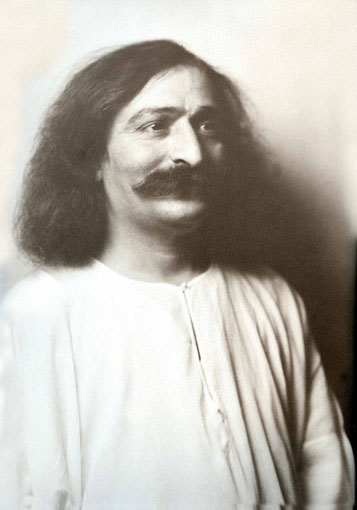Meher Baba in New York City, Nov.26th 1931 ; photo taken by Arnold Genthe