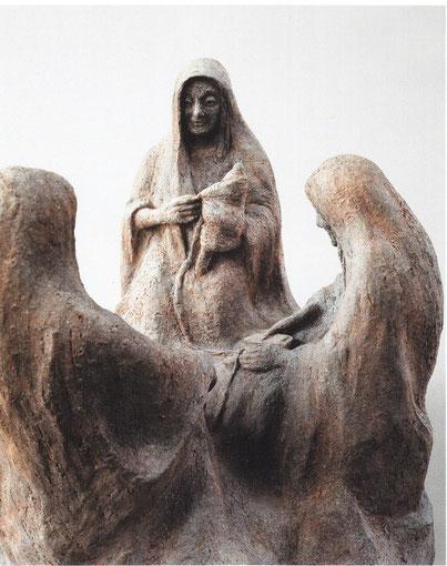 SCHICKSALSGÖTTINNEN 2001, Terrakotta, Höhe 32 cm