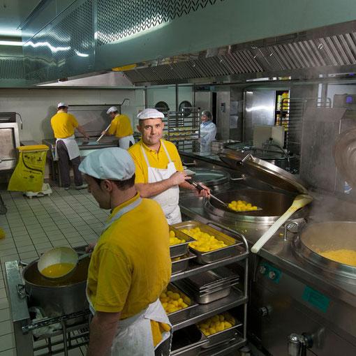 Universitarium #03 : cuisinier / cuisine / Restaurant universitaire le Tertre / Université de Nantes