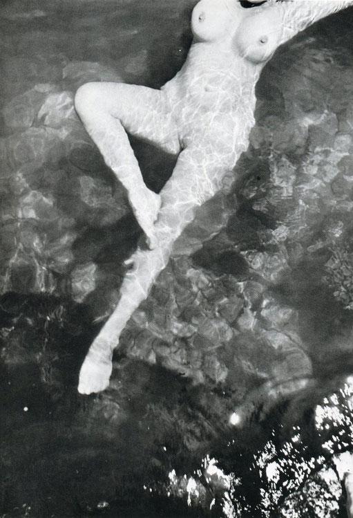 アンリ・カルティエ=ブレッソン「レオノールフィニ,トリエステ」(1933年)