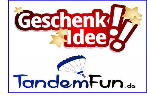 Die Geschenkidee zu Weihnachten! Ein Fallschirmsprung in Dingolfing Bayern. Fallschirmspringen Geschenk Gutschein von Tandemfun aus Amberg Oberpfalz.