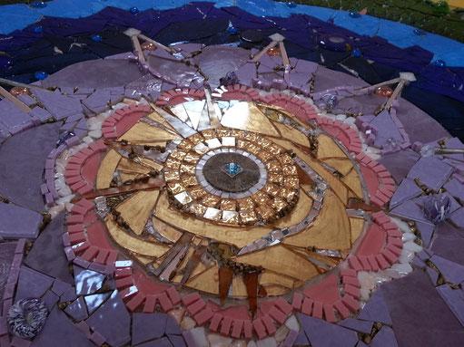 Kunst am Bau Roswitha Farnsworth, Mosaikgestaltung Aussegnungskirche Stadelhofen