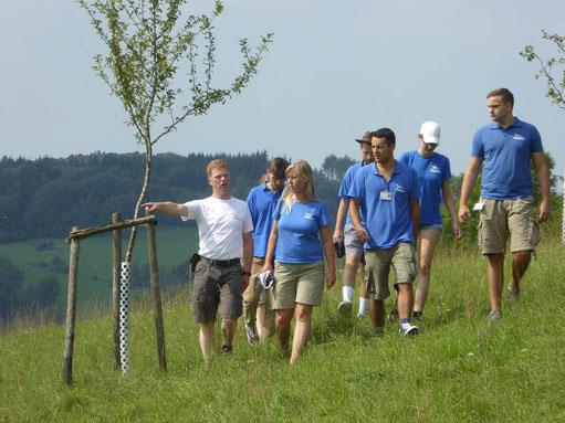 Die stellvertretenden Vorsitzenden mit dem Werberteam auf den NABU-Flächen auf Seiderath bei Pelm