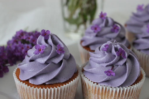Flieder Lila lilac Cupcakes Muffins Hinwil