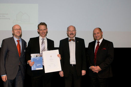 Urkundenübergabe Auszeichnung PhoneStar Tri Tritt- und Luftschalldämmplatte