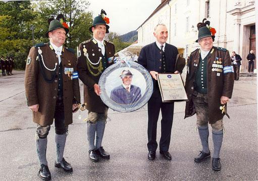 Kompanie verleiht SKH Herzog Max in Bayern die Ehrenmitgliedschaft