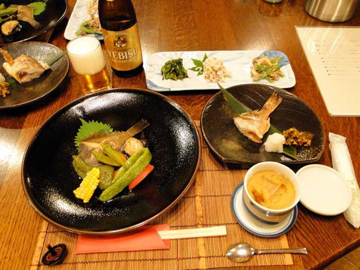 日本海の海の幸、地元のおばあちゃんが作った山の幸をふんだんに使ったおいしいお料理