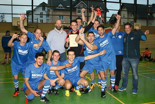 Das Siegerteam vom KEWA Wachenbuchen hat in einem furiosen Finale gegen einen starken SVO im Neunmeterschießen gewonnen!
