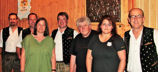 von links nach rechts: Bernhard Keller, Roland Steiner, Claudia Beck, Josef Suppmair, Georg Wohlleben, Balpreet Wohlleben, Helmut Steiner