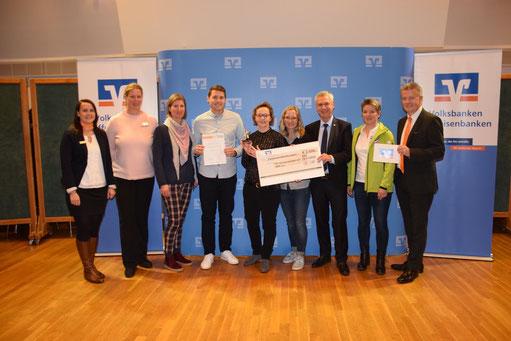 Bei der Preisverleihung: U. Langhans (RaiBa Büchen), M. Elvers-Rölver (LSV-Vizepräsidentin), M. Oldörp, F. Leibold, M. Busch, H. Lichtenberg, T. Geerdts (Staatssekräter), S. Scheibel (Team Schleswig-Holstein) und G. Bloch (RaiBa Büchen - Vorstand))