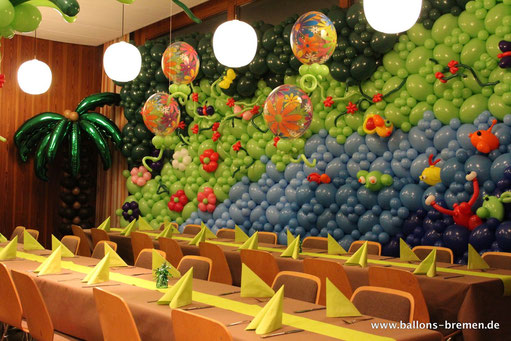 Ballondekoration mit großer Luftballonwand