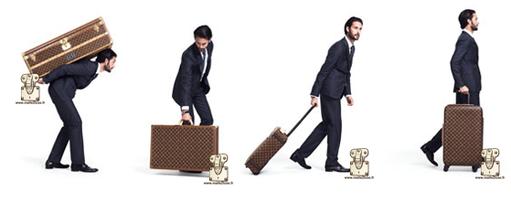 Comment reconnaitre une valise Louis Vuitton ? Contrairement au vanity, la valise est plus grande il existe beaucoup de modele, rigide, souple, ou a roulette tous conçu pour les voyages en train.