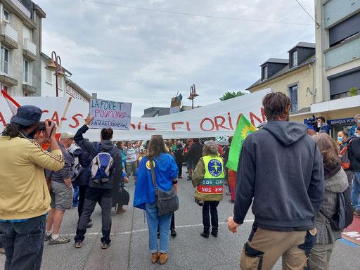 Manifestation du 29 et 30 mai contre le projet Florian à Lannemezan (destruction de toutes les forêts de la chaîne des Pyrénées)_ACCOB