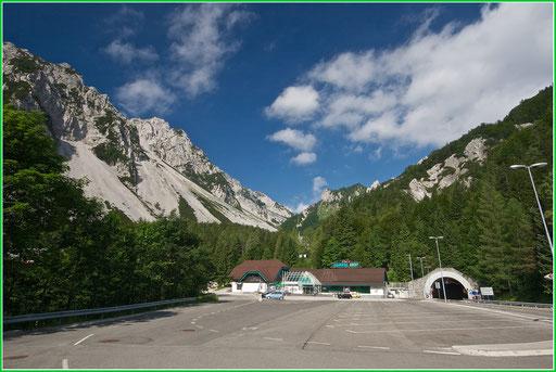 Am Loiblpass auf Slowenischer Seite  © c.rebl