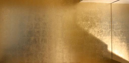 mur doré à la feuille de cuivre