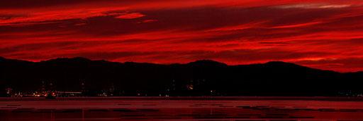 廿日市市阿品から望む朝焼けパノラマ 【撮影:2010.9.6 5:10】