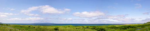 オロロンラインから望む抜海岬と利尻富士 【撮影:2011.7.20】
