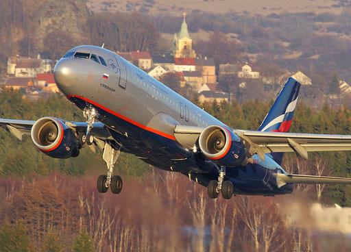 """""""... mit Gottes Segen"""" (Airbus A320-214, Aeroflot, Start vom Flughafen Karlovy Vary)"""