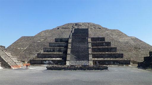 Pyramide de la luna